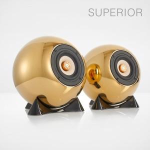 mo° sound Kugellautsprecher, superior, gold. Breitbandlautsprecher mit neodymium Magnet. Bambuspapier-Membrane und Kupfer Phase Plug. Goldbeschichtetes Porzellangehäuse.