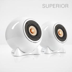 mo° sound Kugellautsprecher, superior, weiß. Breitbandlautsprecher mit neodymium Magnet. Bambuspapier-Membrane und Kupfer Phase Plug. Weißes Porzellangehäuse.